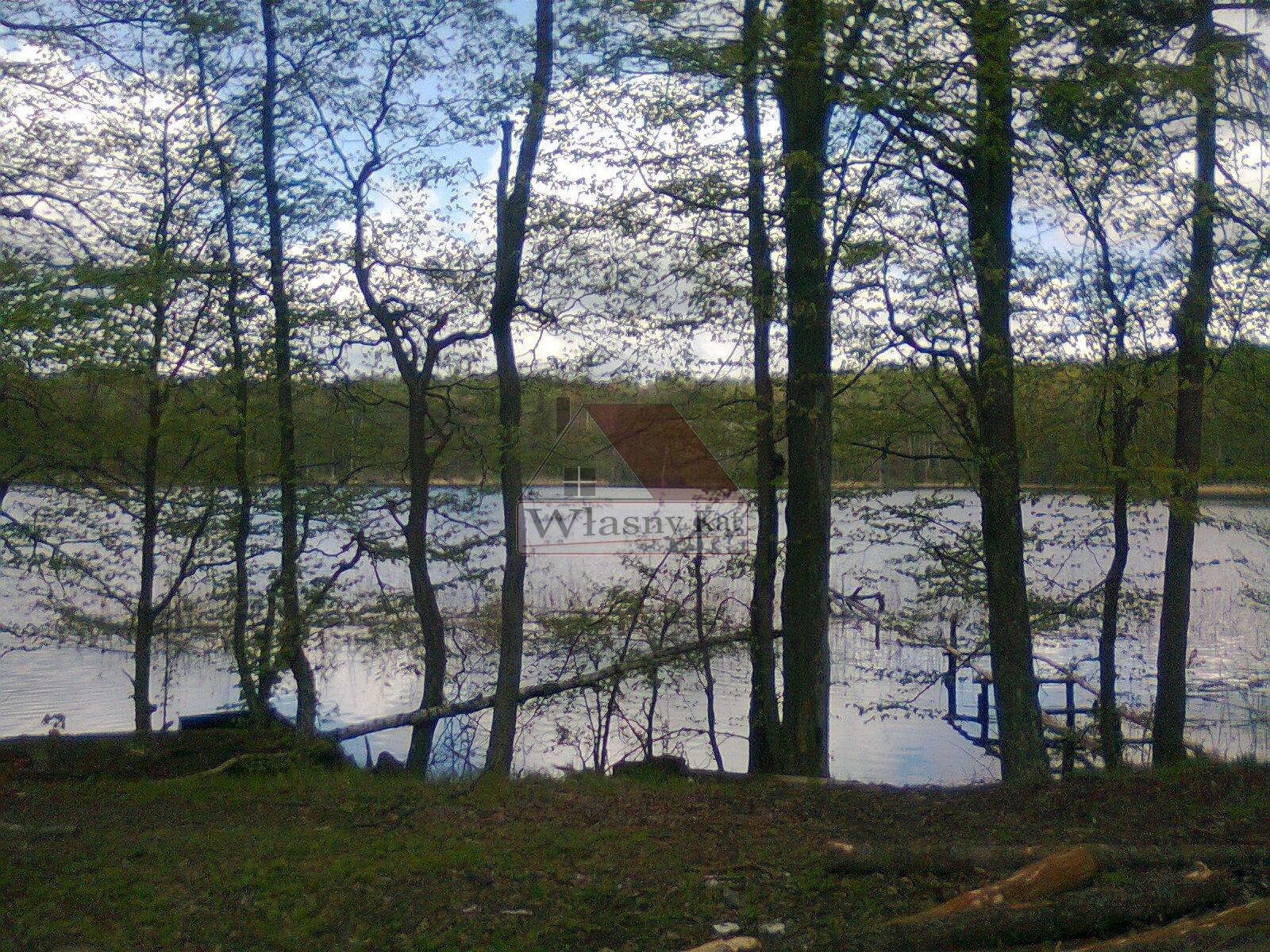 nad jeziorem